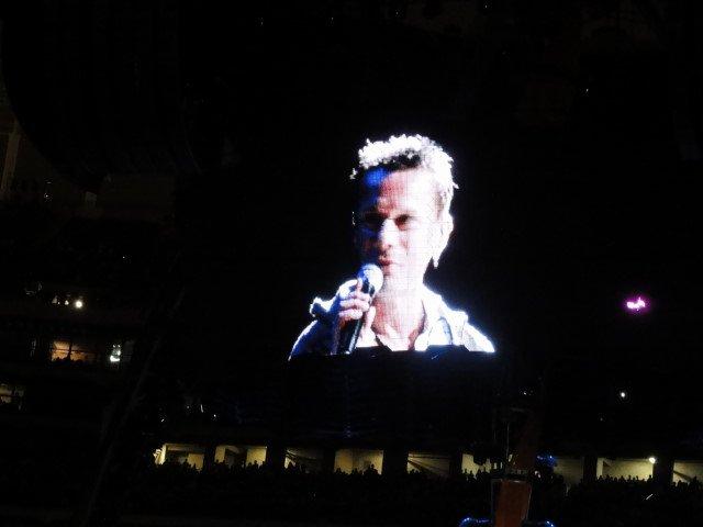 Larry sings in Oakland!