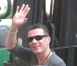 5-larry-arrives-in-nashville-photo-by-tasha-hindman cropped