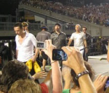 before Larry hugs me Pittsburgh 360 2011